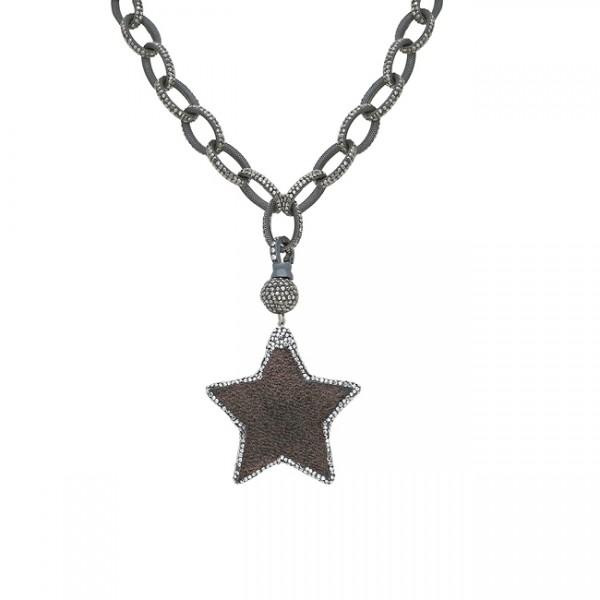 Siyah yıldız kolye